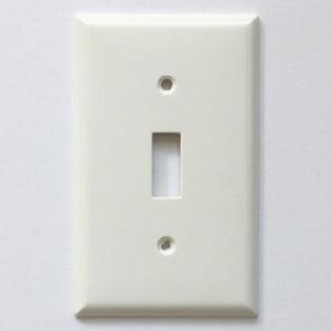 プラスチック 1口 スイッチプレート ホワイト 250円(税別)