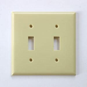 プラスチック 2口 スイッチプレート ベージュ 400円(税別)