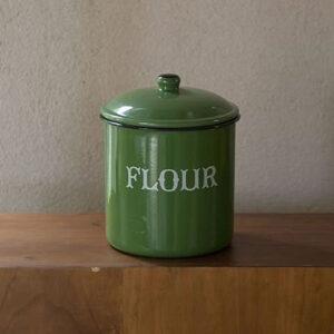 フラワー缶グリーン 2,380円(税抜)