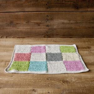 かぎ針編みのマット カラフル 2,800円(税抜)